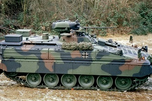 Marder1A5 vehicle at handover on December 18, 2002 at Rheinmetall in Kassel.  Due to the special mine protection measures, additional storage space had to be created outside with three boxes.  Source: Author archive